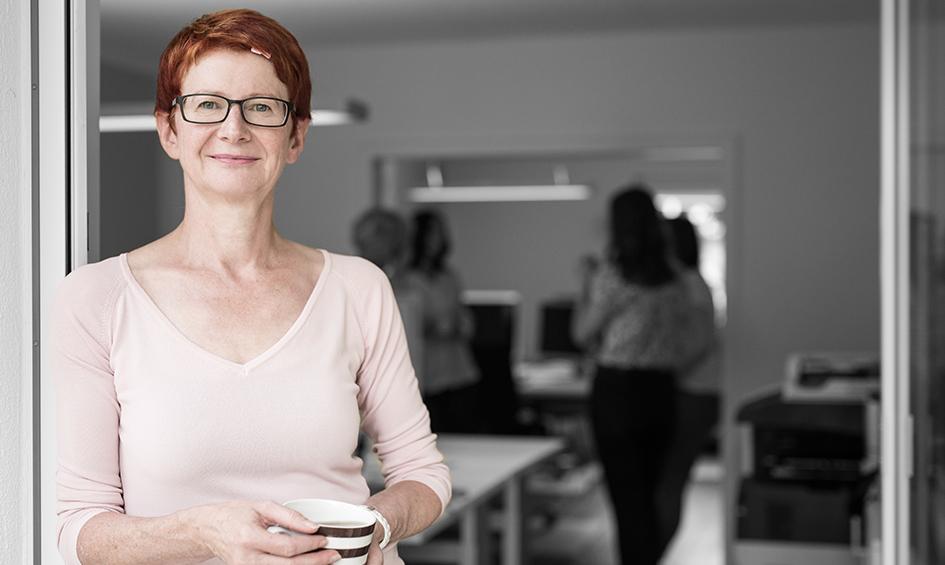 Portraitbild Petra Schmidt, Geschäftsführerin p-s-design